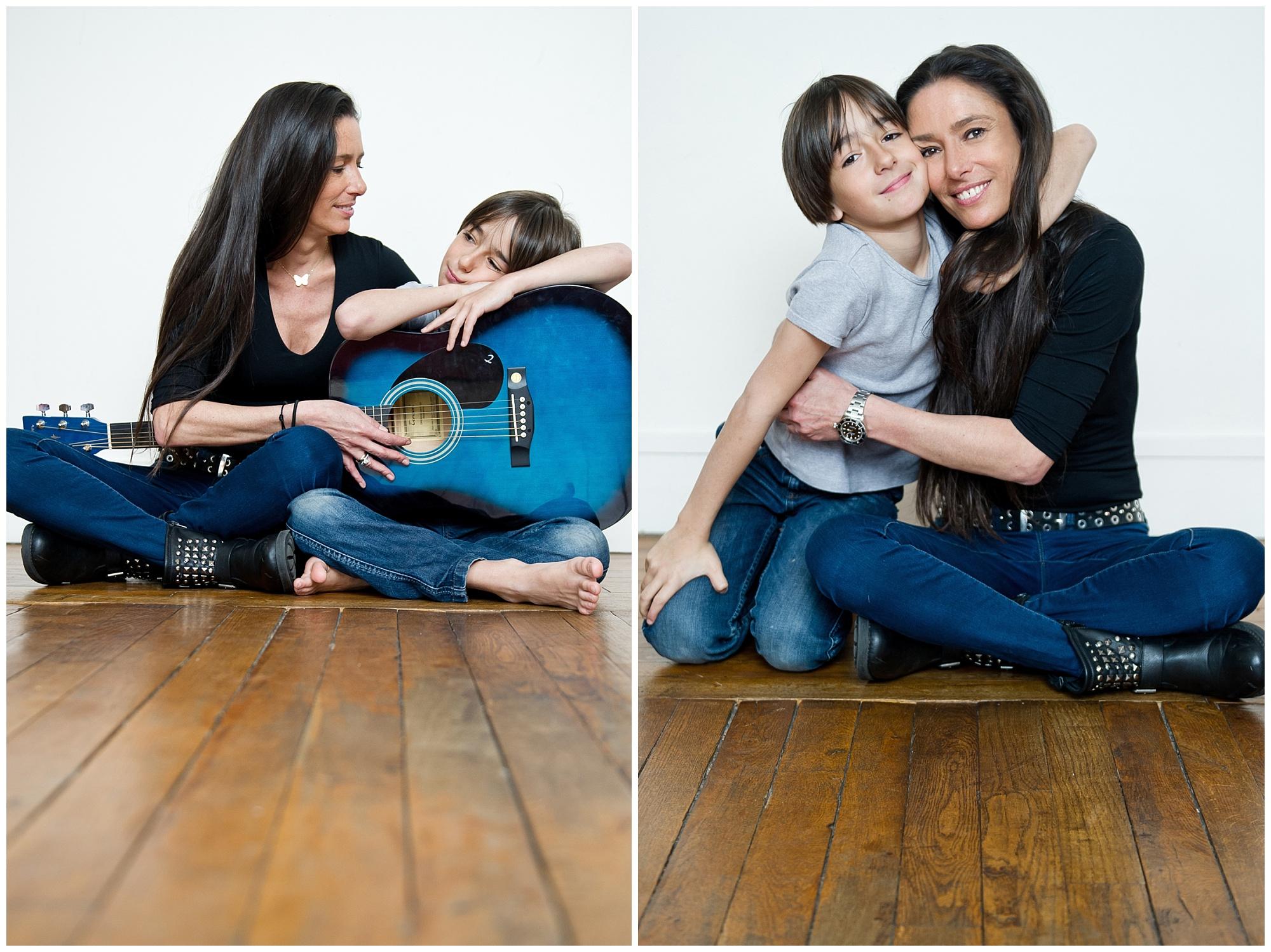 Une maman et ses enfants au studio